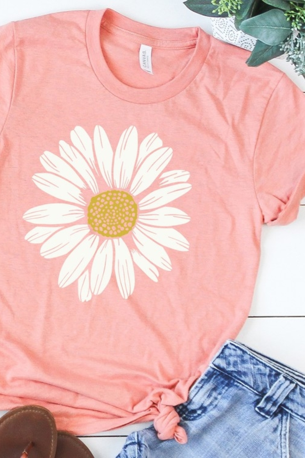 kissed Apparel Daisy graphic tee - Front Cropped Image