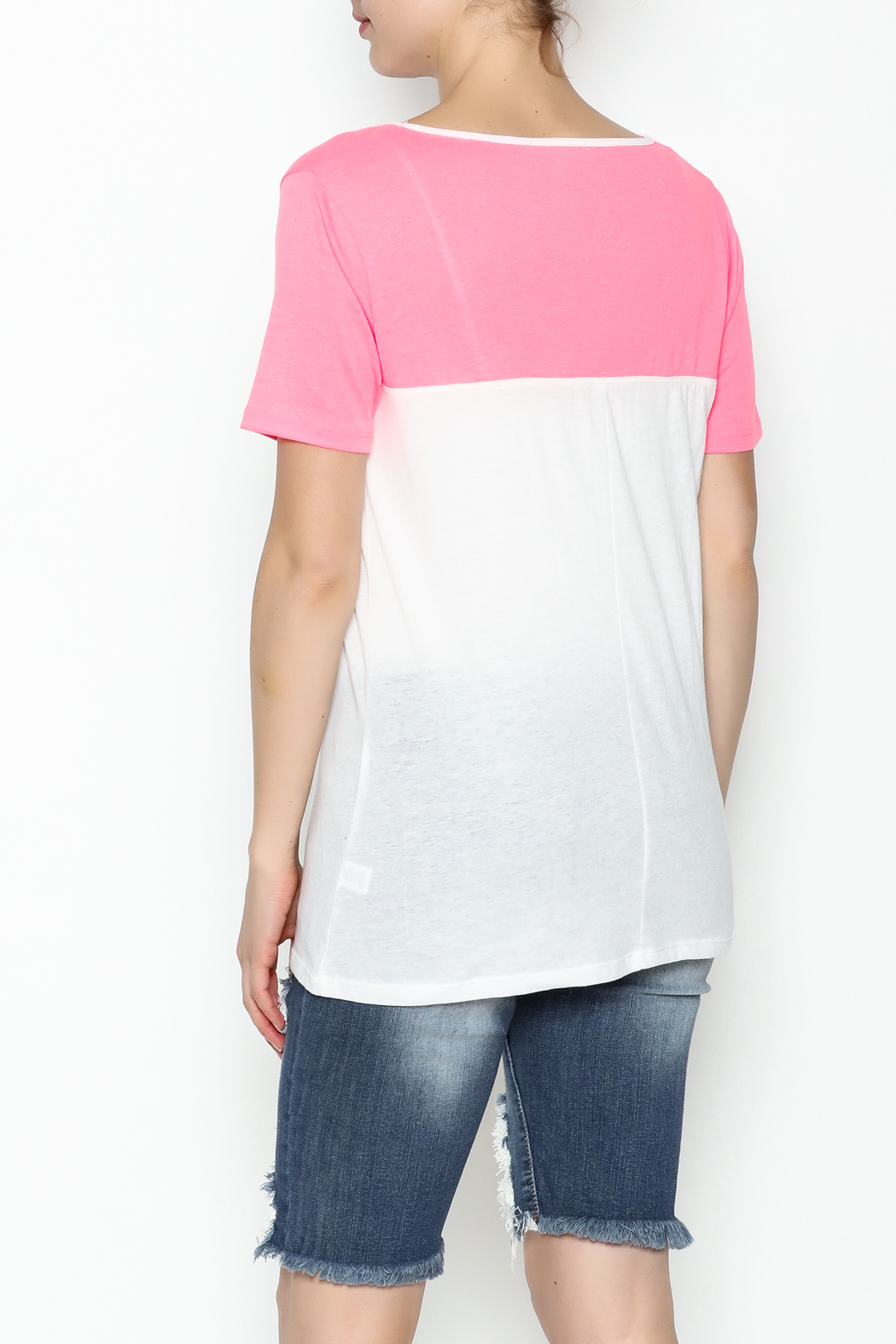 Daisy's Fashions V Neck Printed Tee - Back Cropped Image