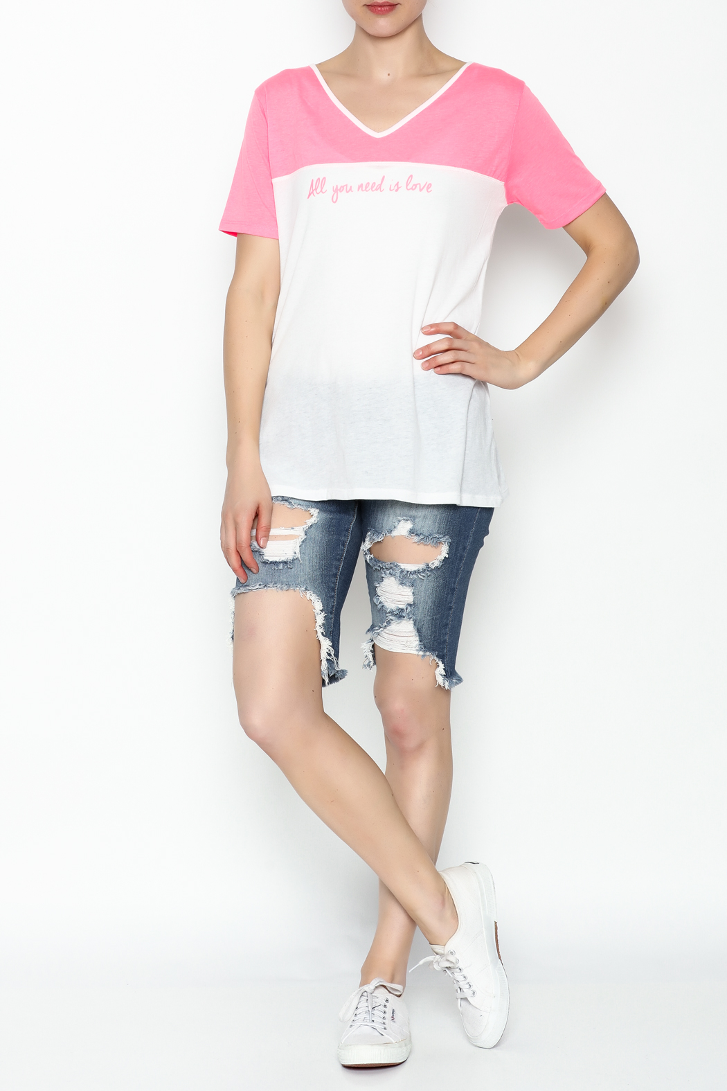 Daisy's Fashions V Neck Printed Tee - Side Cropped Image
