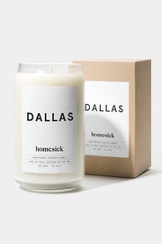 HOMESICK Dallas Candle - Front cropped