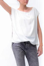 Dana Ashkenazi White Loose Top - Product Mini Image