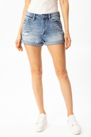 Kan Can Dani Short - Side cropped