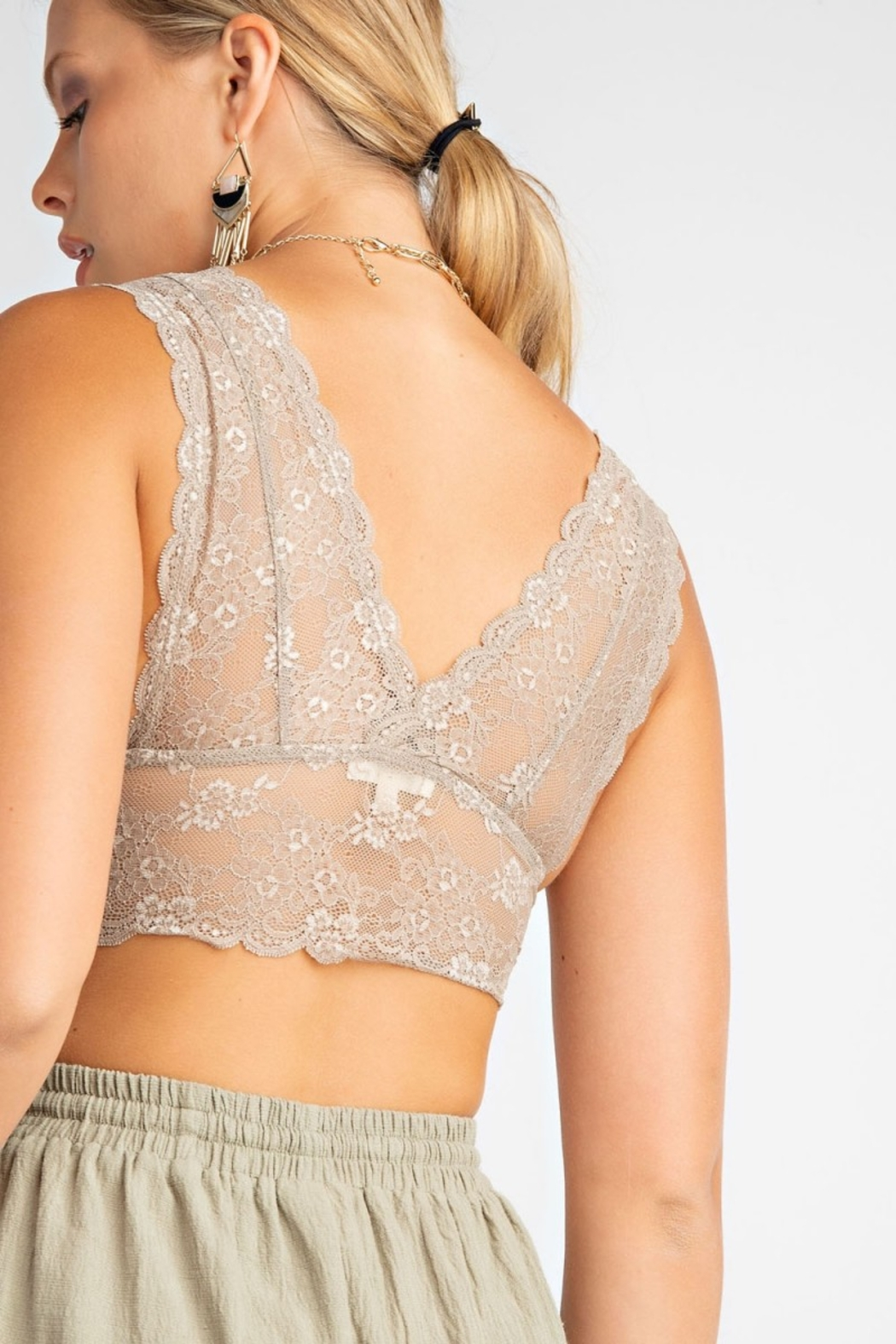Easel  V Neck Lace Bralette - Side Cropped Image