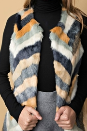 Davi & Dani Faux Fur Vest - Product Mini Image