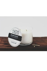 DAVINCI Salted Caramel Candle - Front full body