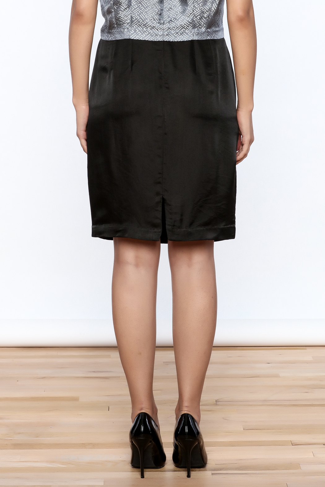Dawn Sunflower Pencil Skirt - Back Cropped Image