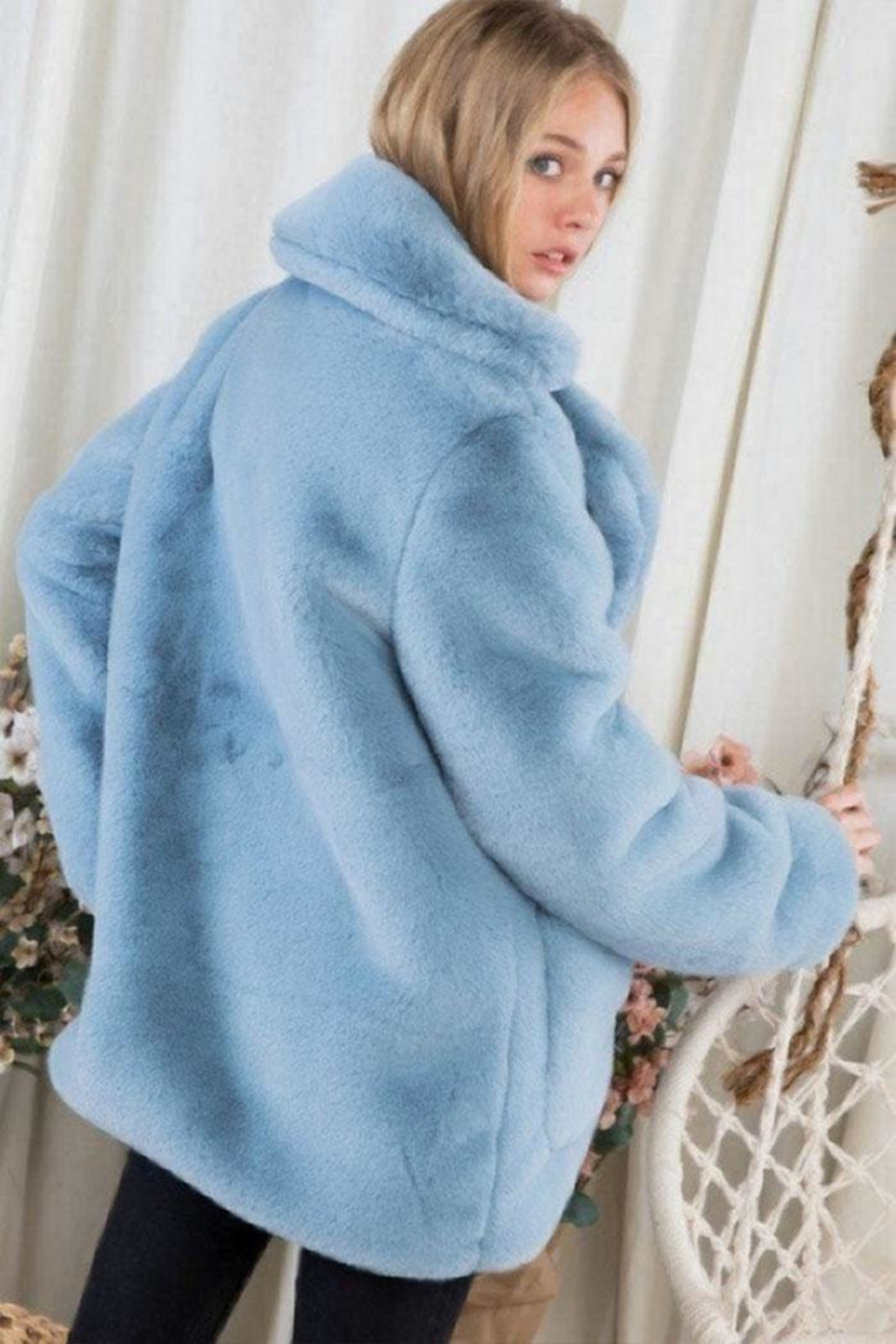Day & Night Faux Fur Coat - Side Cropped Image