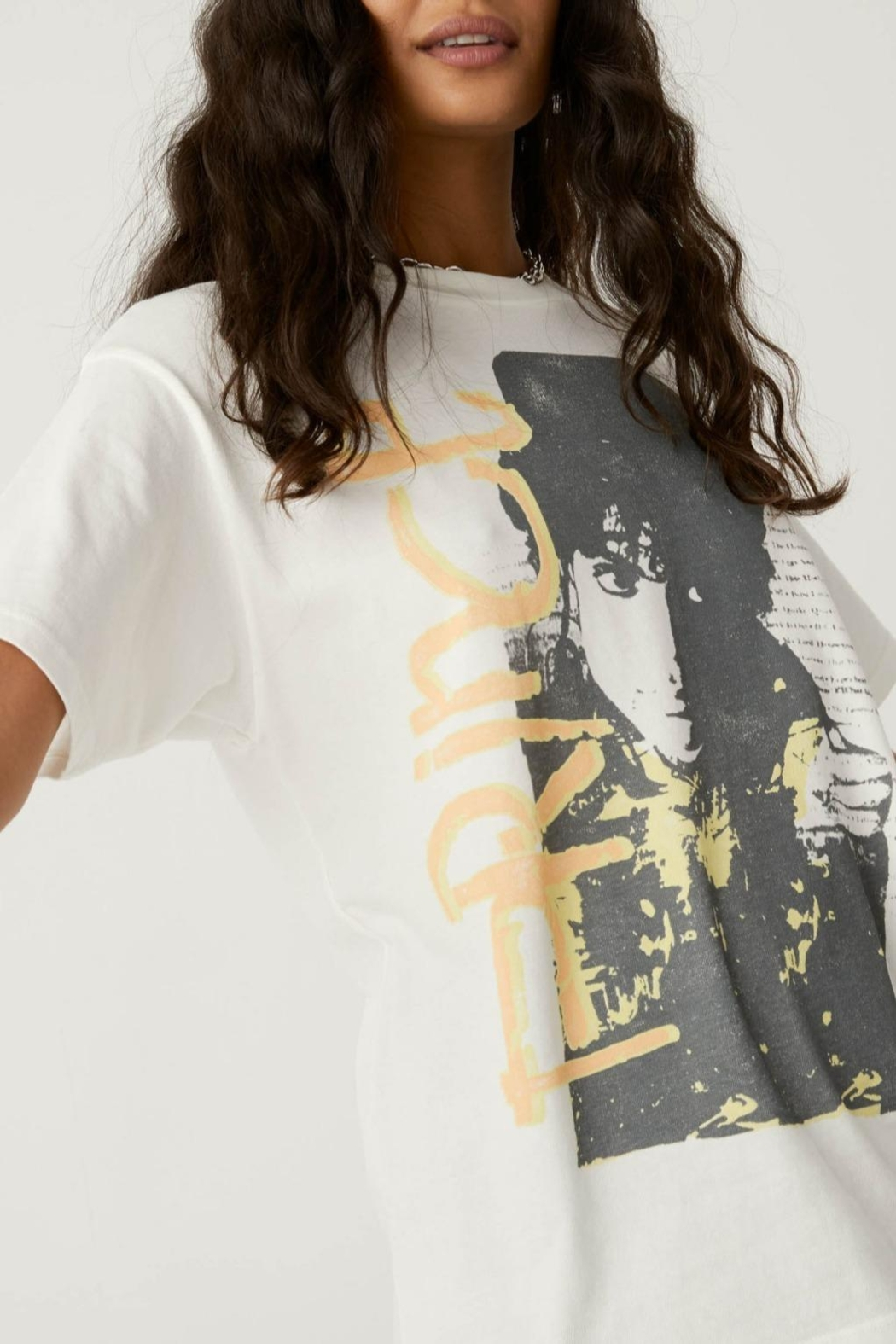 Daydreamer Prince Weekend Tee - Side Cropped Image