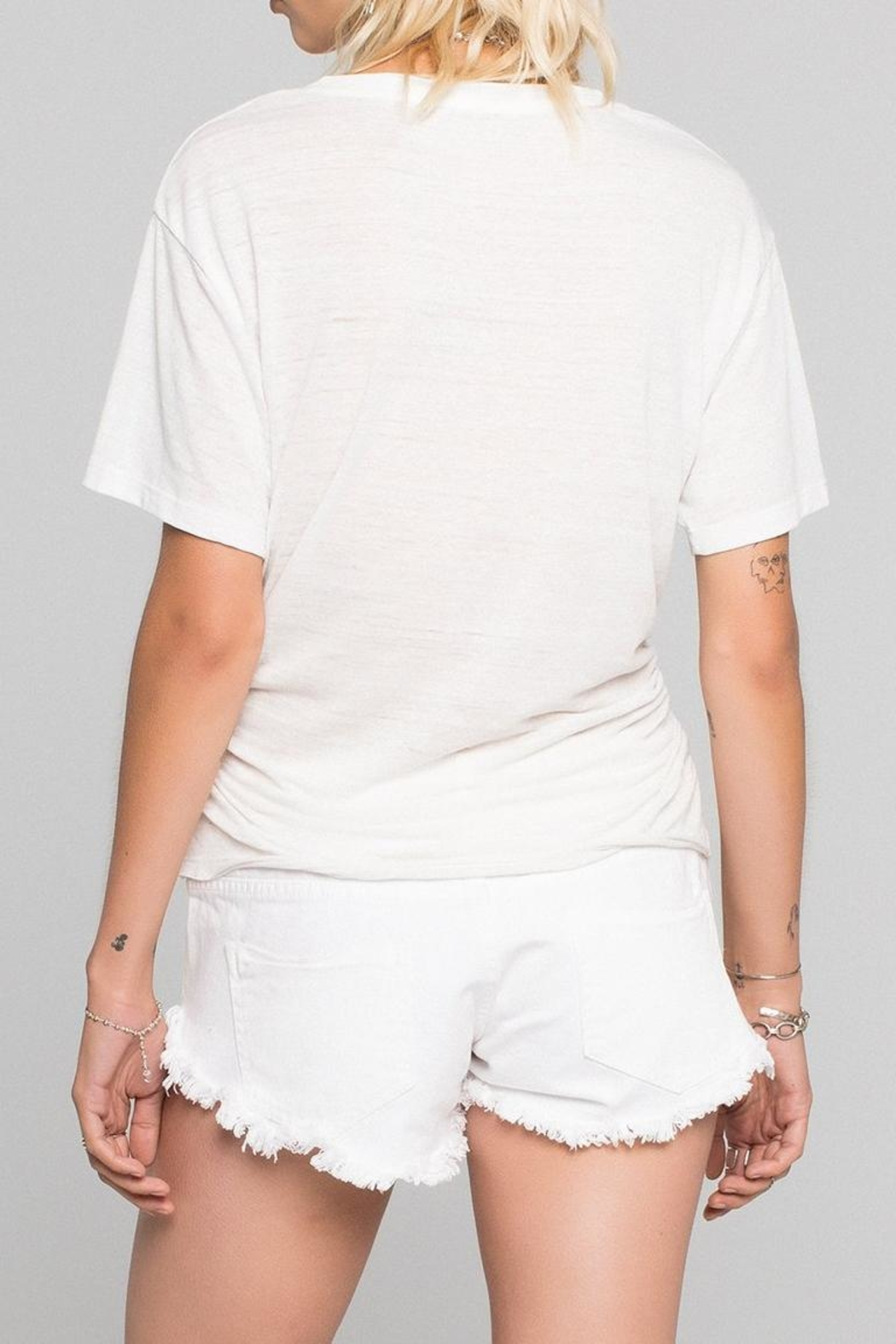 Daydreamer Rock Graphic Tee - Front Full Image