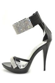 De Blossom Collection Chic Ankle Cuff - Front cropped