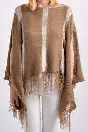 De Mil Amores Buenos Aires Pampa Poncho - Front cropped