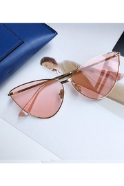 Madison Avenue Accessories Deanna Sunnies - Front cropped