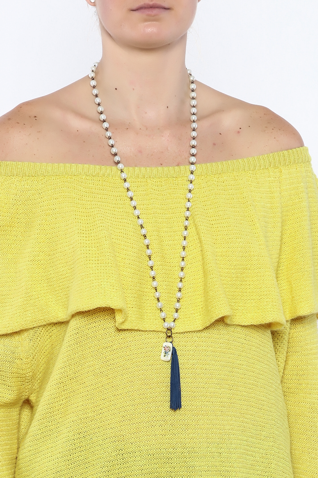Dee Dee Style Pearl Button Necklace - Back Cropped Image