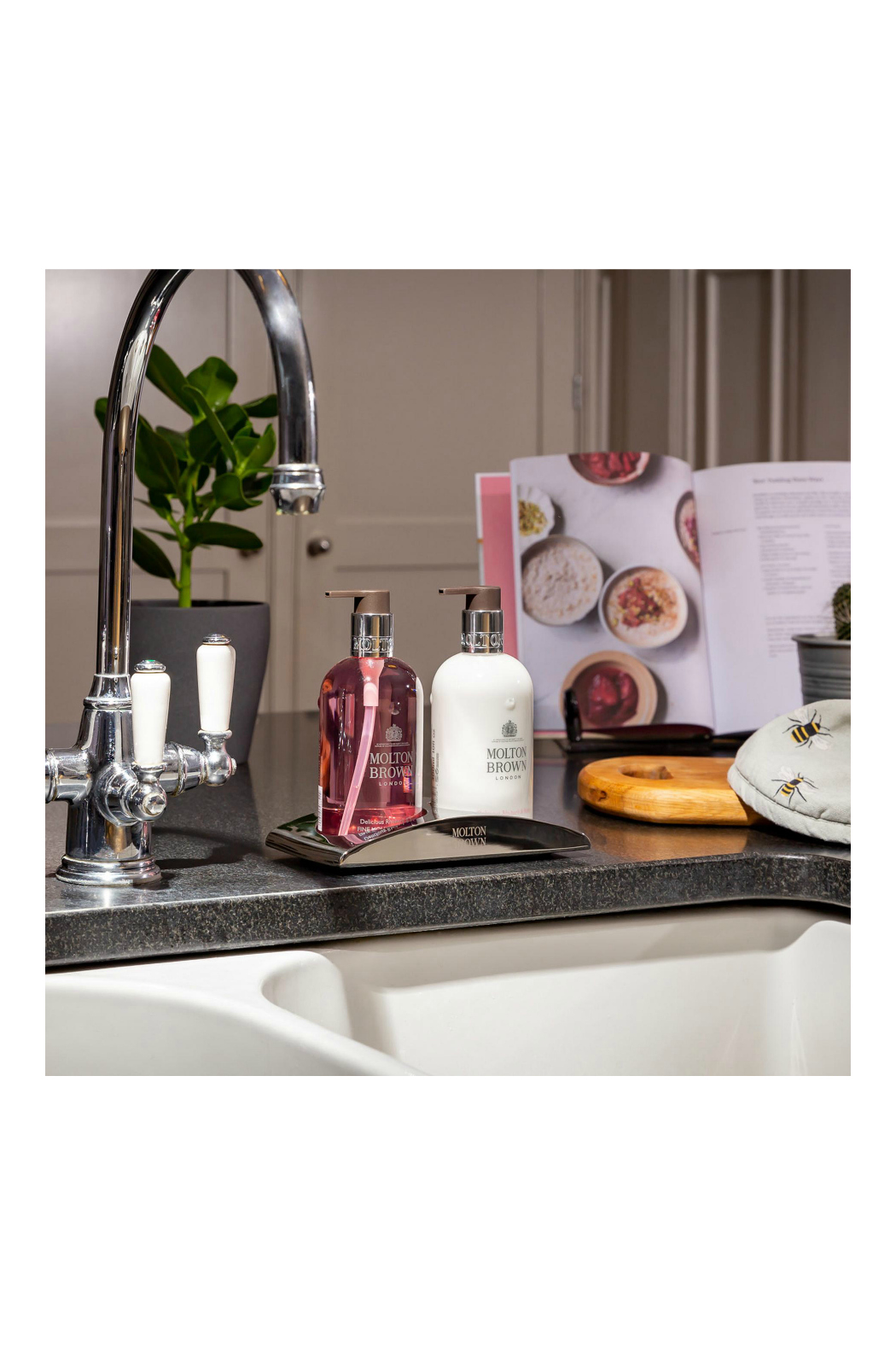 Molton Brown Delicious Rhubarb & Rose Fine Liquid Hand Wash - Side Cropped Image