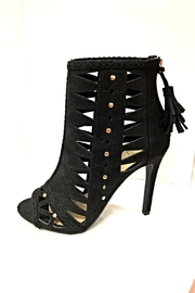 Delicious Shoes Detailed Black Heels - Product Mini Image