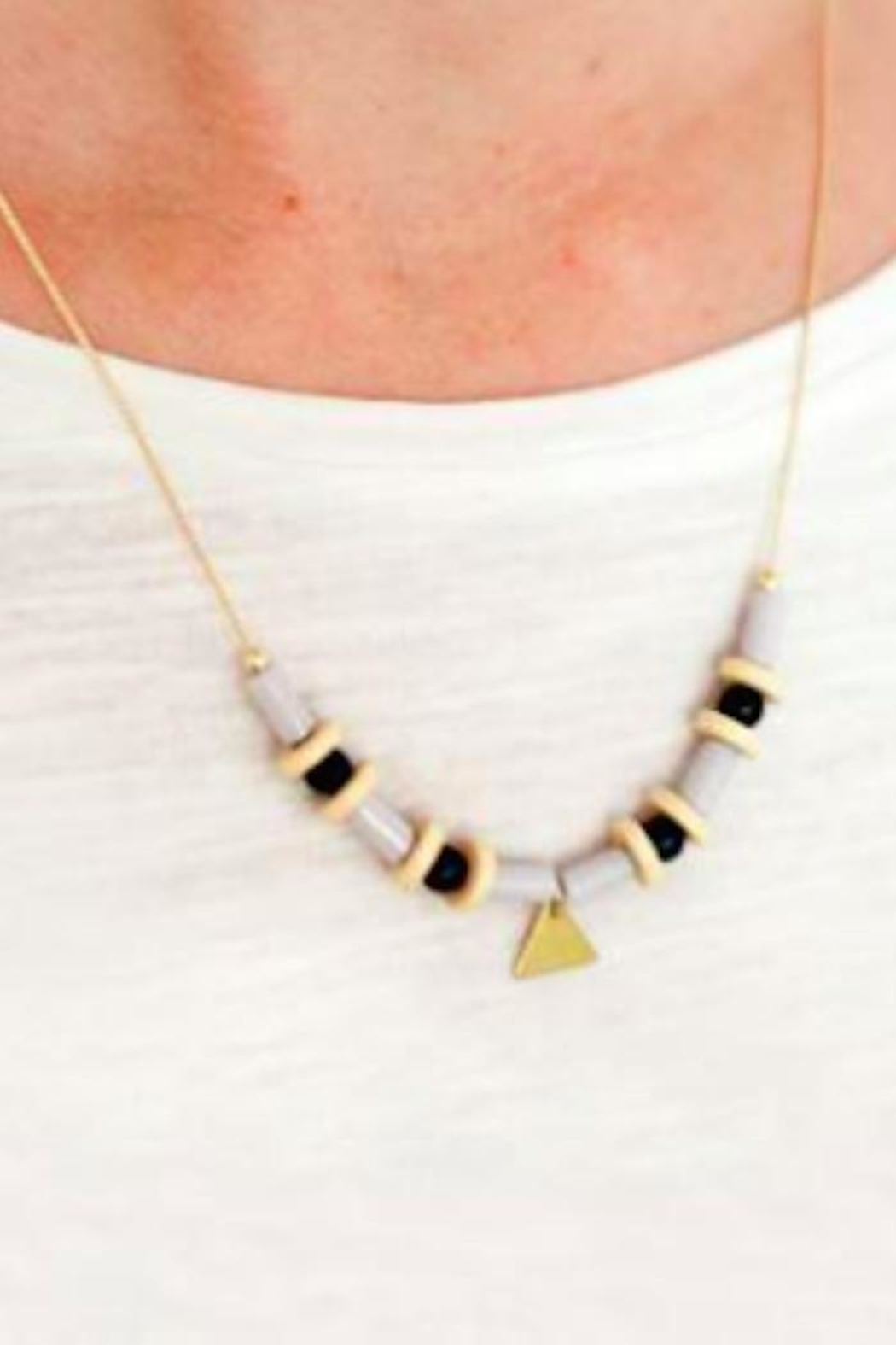 Depeapa Sarao Necklace - Front Full Image