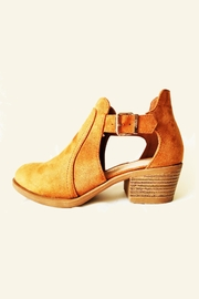ALEXCINE Des Side-Cut-Out Bootie - Product Mini Image