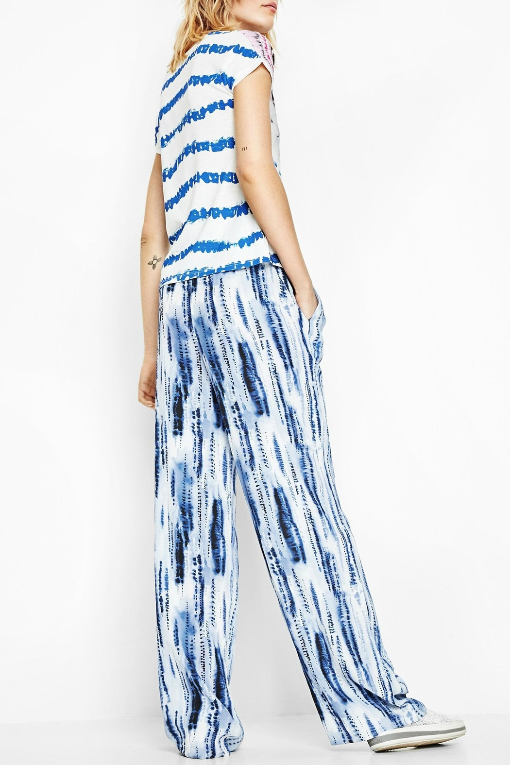 DESIGUAL Abstract Striped Tee - Back Cropped Image
