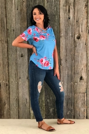 Izzie's Boutique Desiree Floral Top - Product Mini Image