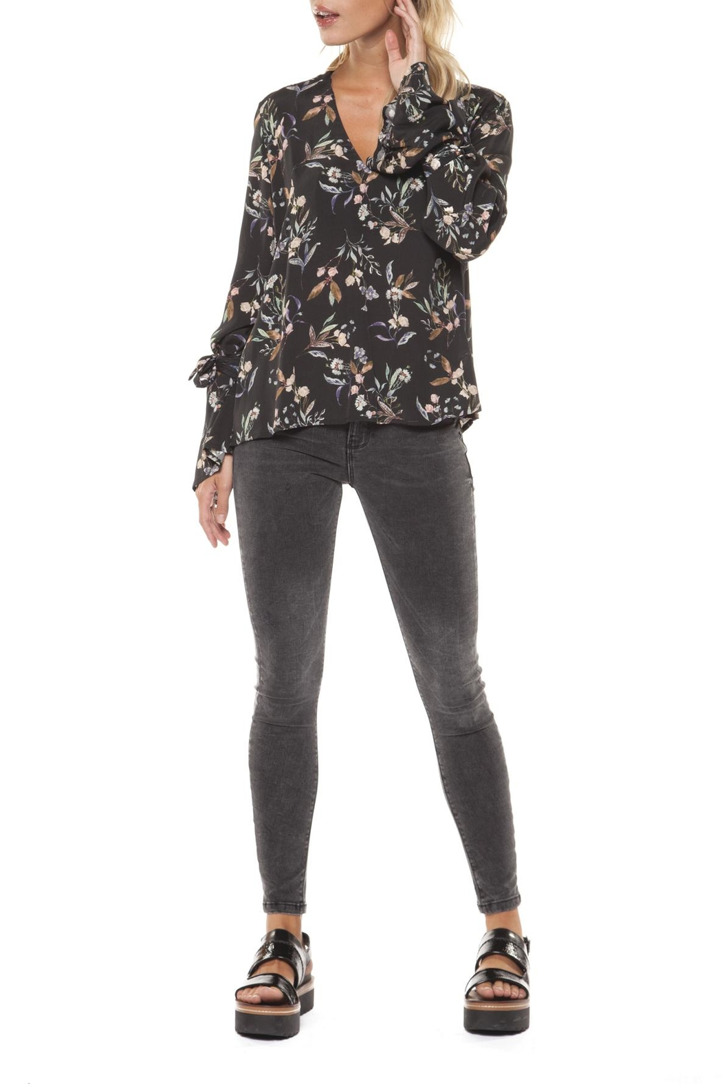 Dex Sleeve Tie Blouse - Front Full Image
