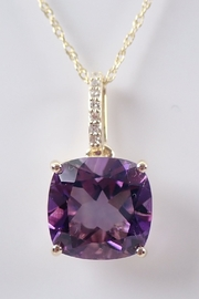 Margolin & Co Diamond and Amethyst Solitaire Necklace Pendant 18