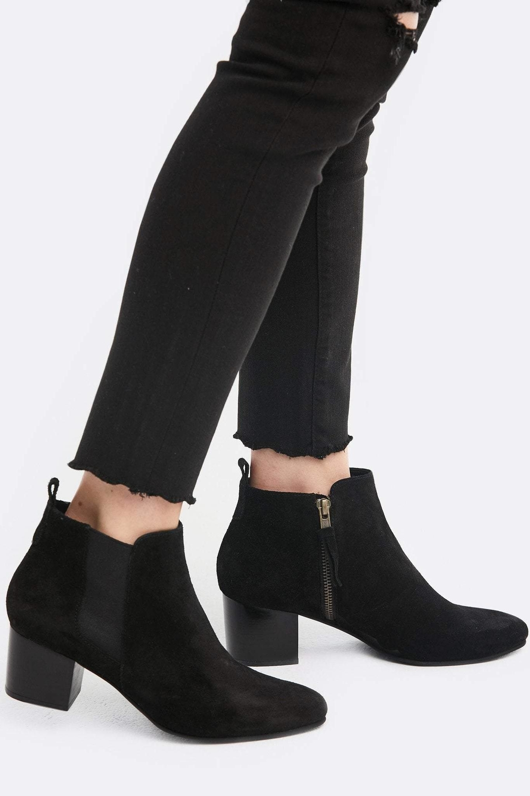 Able Diana Chelsea Boot - Front Cropped Image