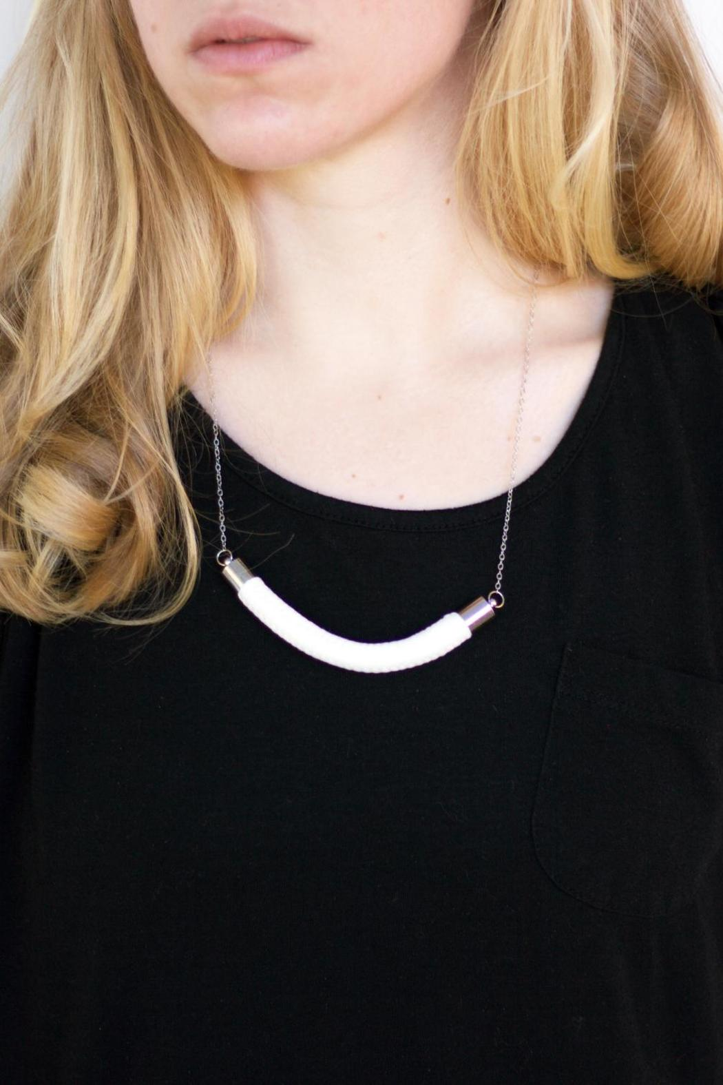 Dime & Regal White Rope Necklace - Side Cropped Image