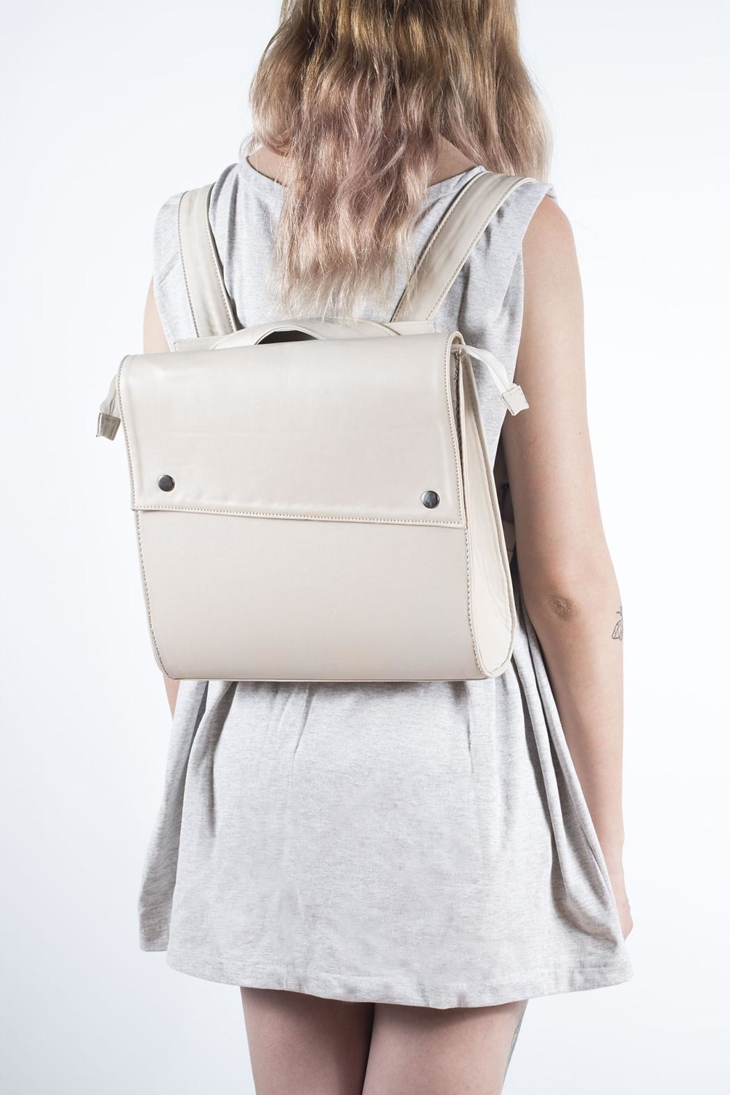 Disenia White Backpack - Front Cropped Image