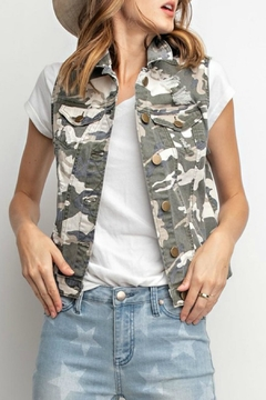 easel Distressed Camo Vest - Product List Image