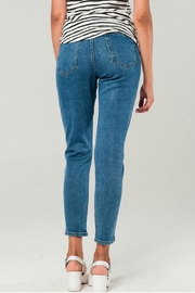 Q2 Distressed Mom Jeans - Back cropped