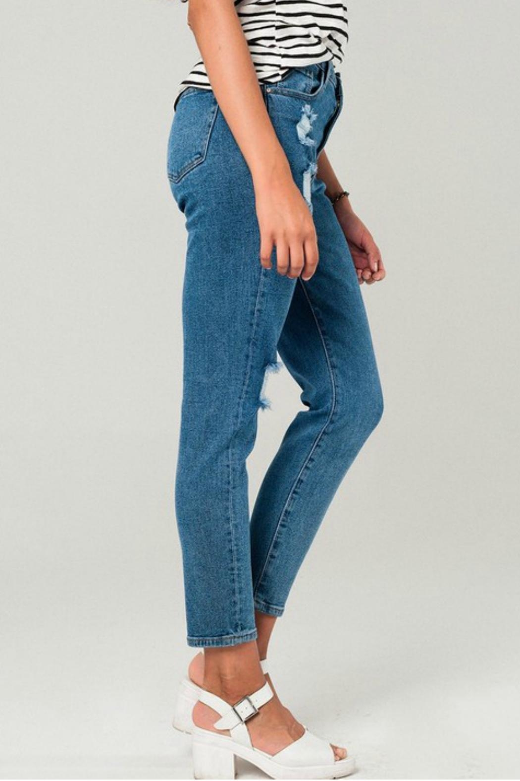 Q2 Distressed Mom Jeans - Side Cropped Image