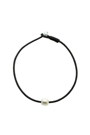 Djuna Pearl Necklace - Front cropped