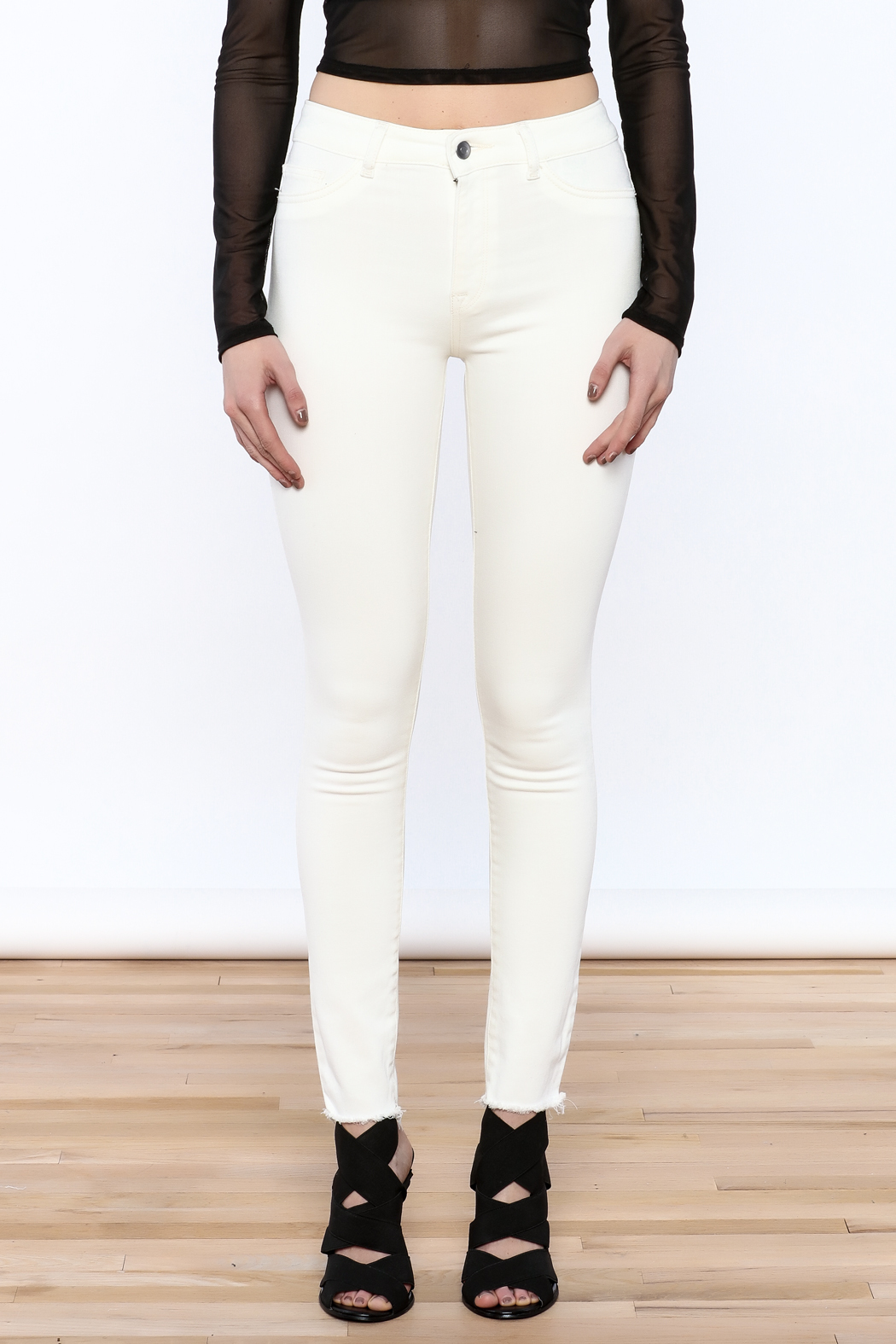 DL 1961 White Skinny Jeans - Side Cropped Image