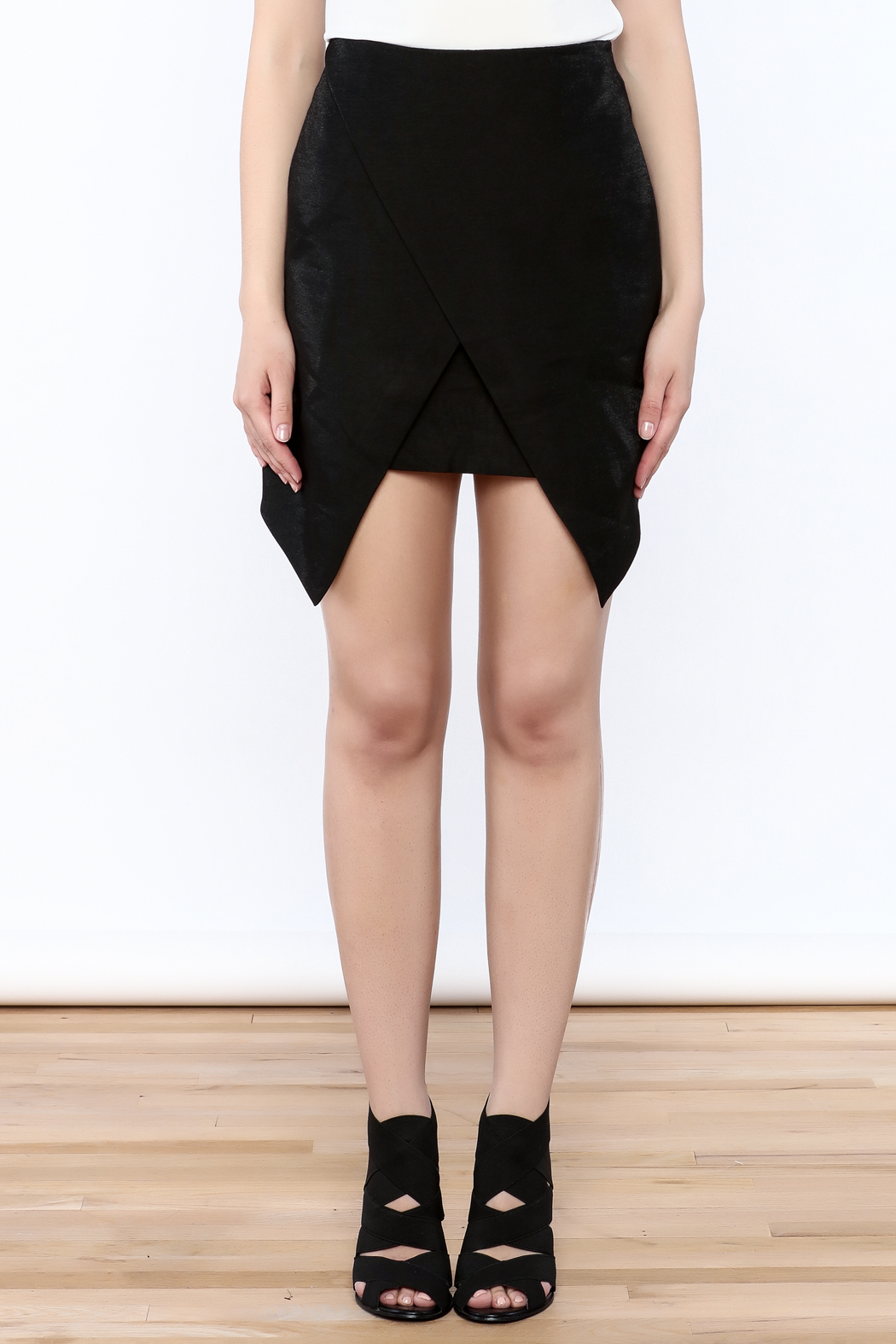 Do & Be Modern Black Skirt - Side Cropped Image