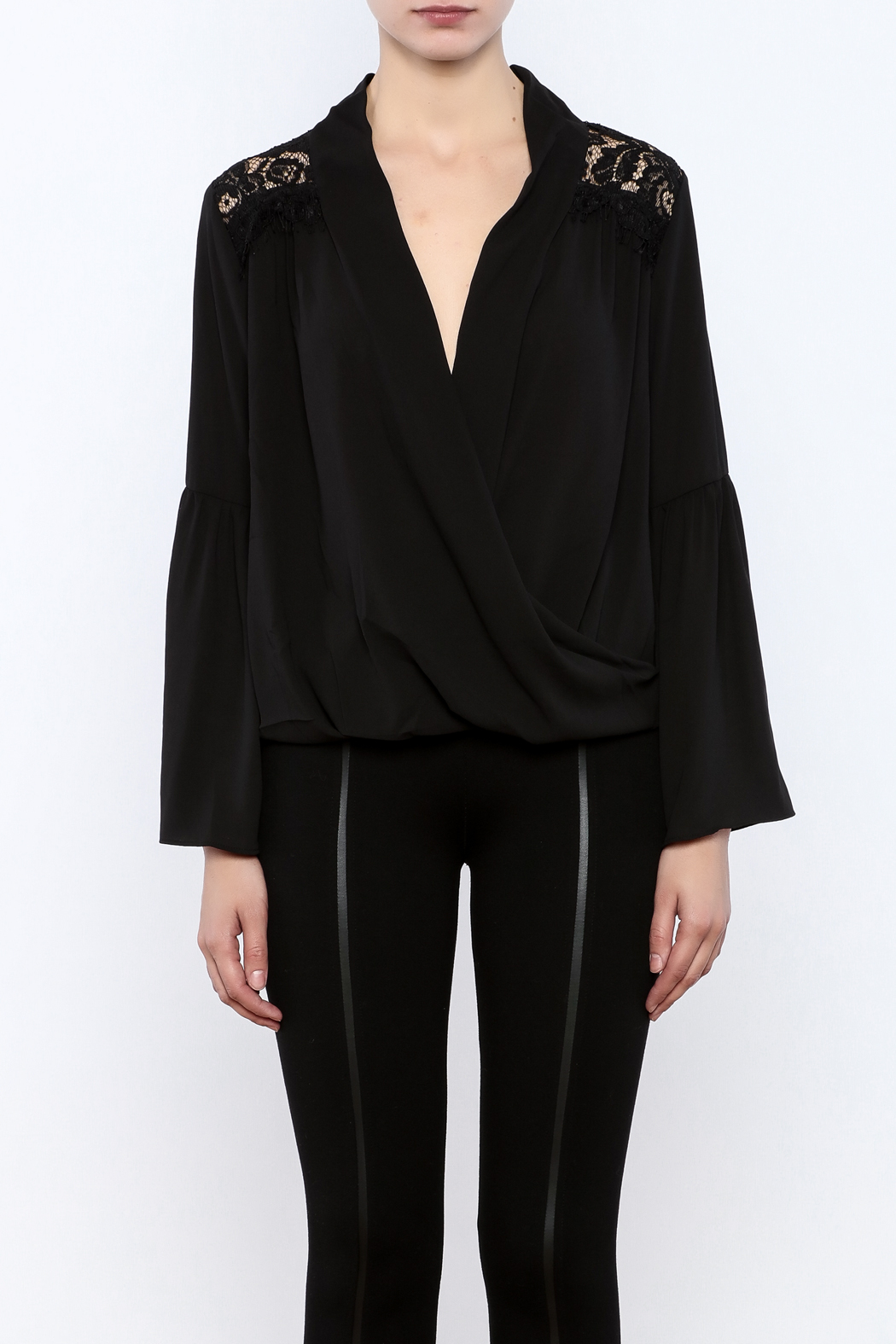 Do & Be Lace Shoulder Top - Side Cropped Image