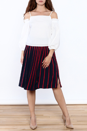 Do & Be Must Have Top - Side cropped