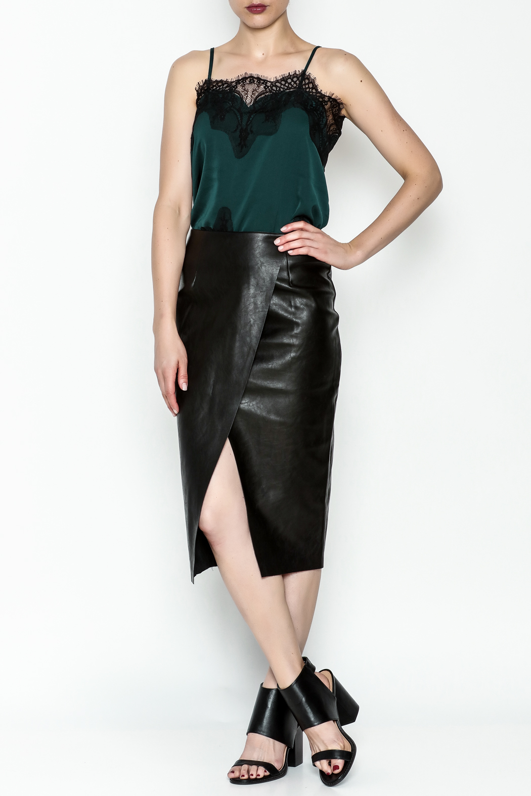 Do-Be Overlay Skirt - Side Cropped Image