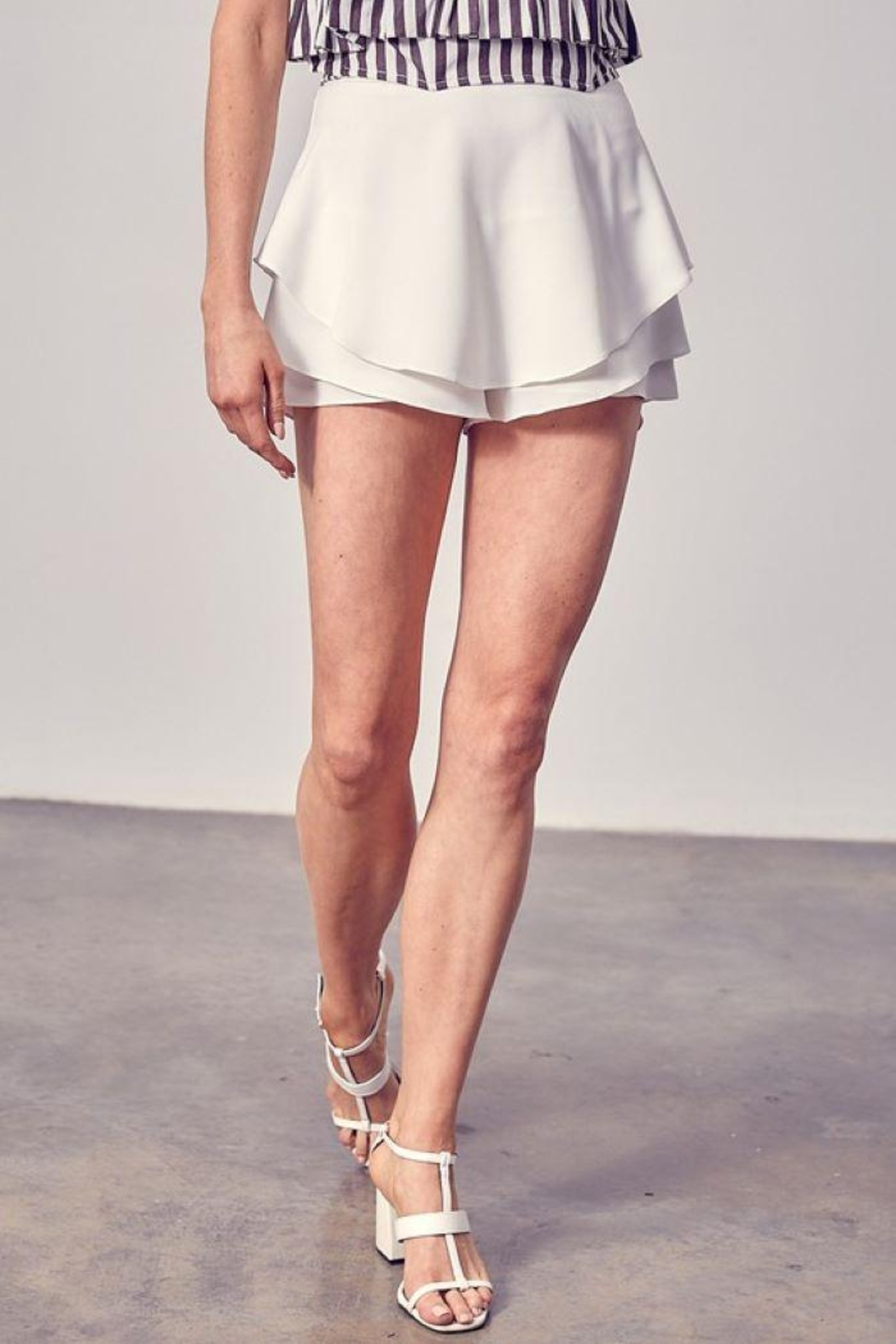 Do+Be Collection  Tiered Detail Skort - Side Cropped Image