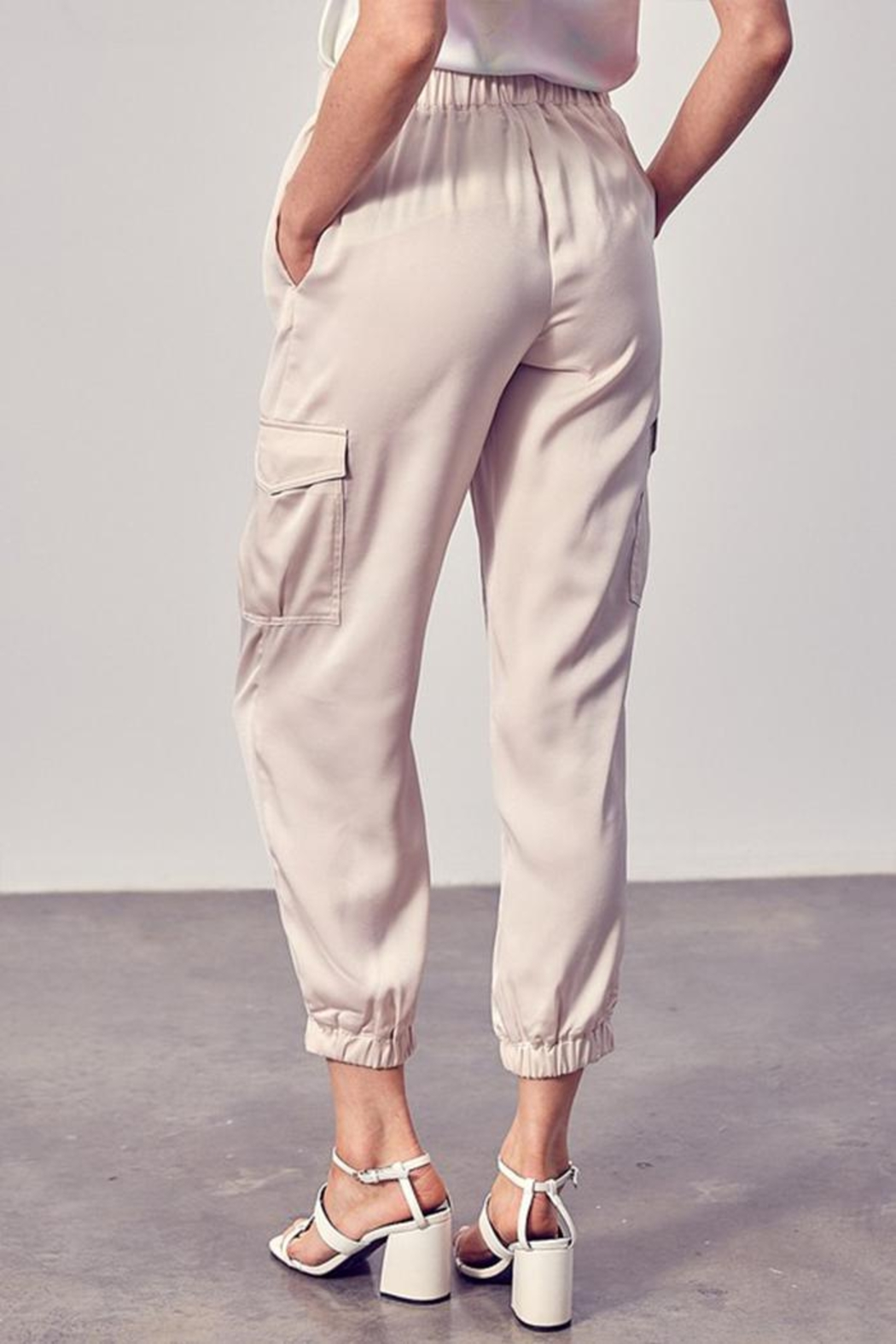 Do & Be Flap Pockets Jogger - Side Cropped Image