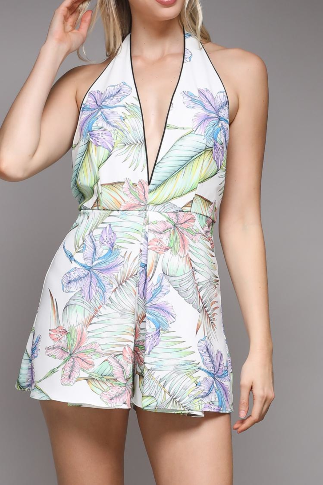 Do & Be Tropical Print Romper - Side Cropped Image