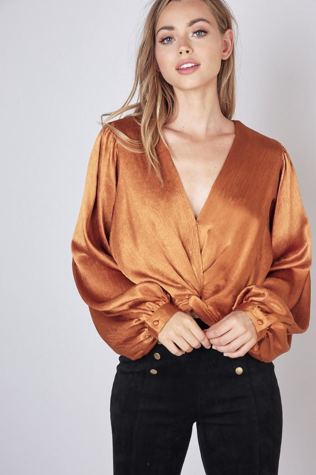Do & Be Twist Front Cropped-Top - Main Image