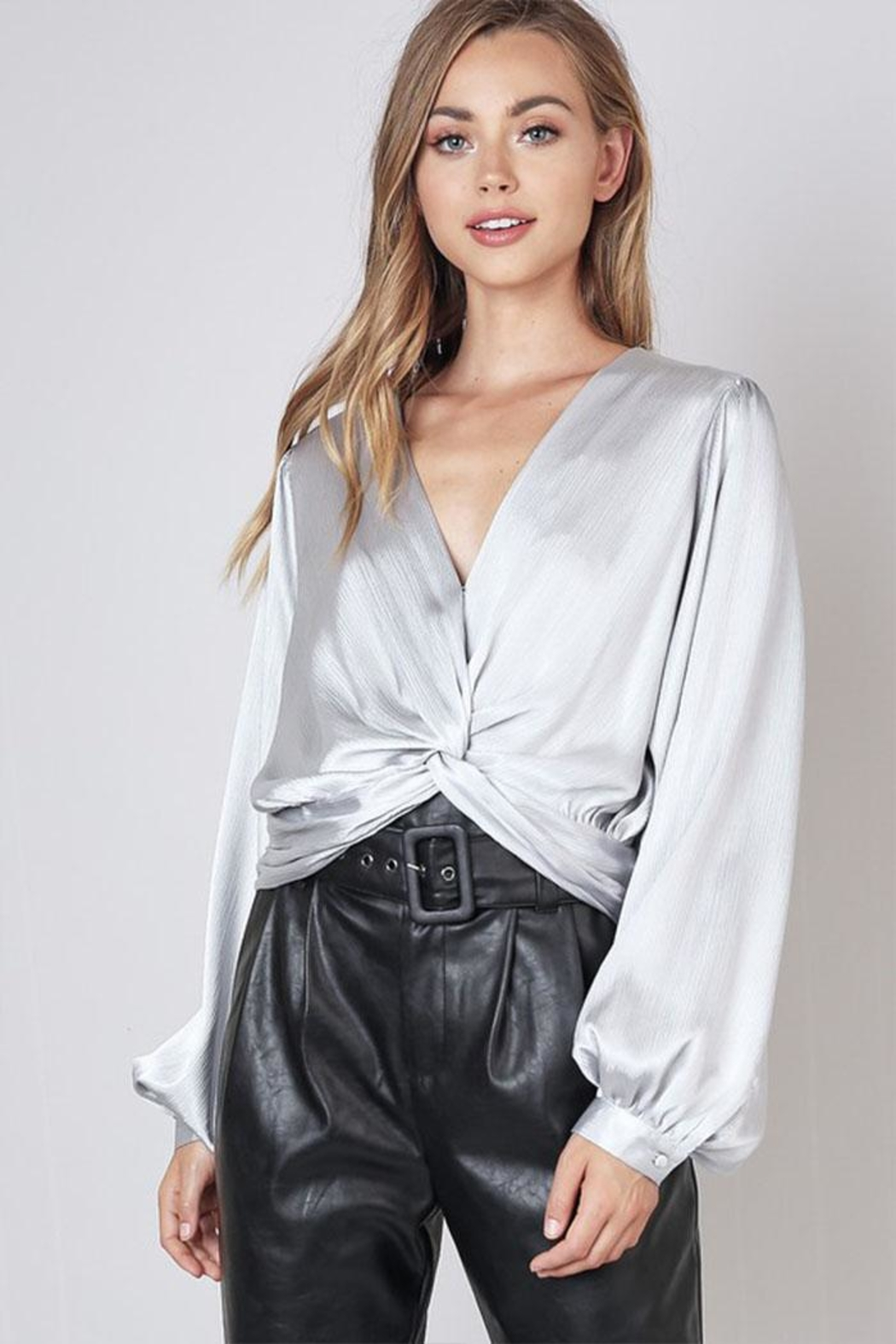 Do & Be Twist Front Top - Main Image