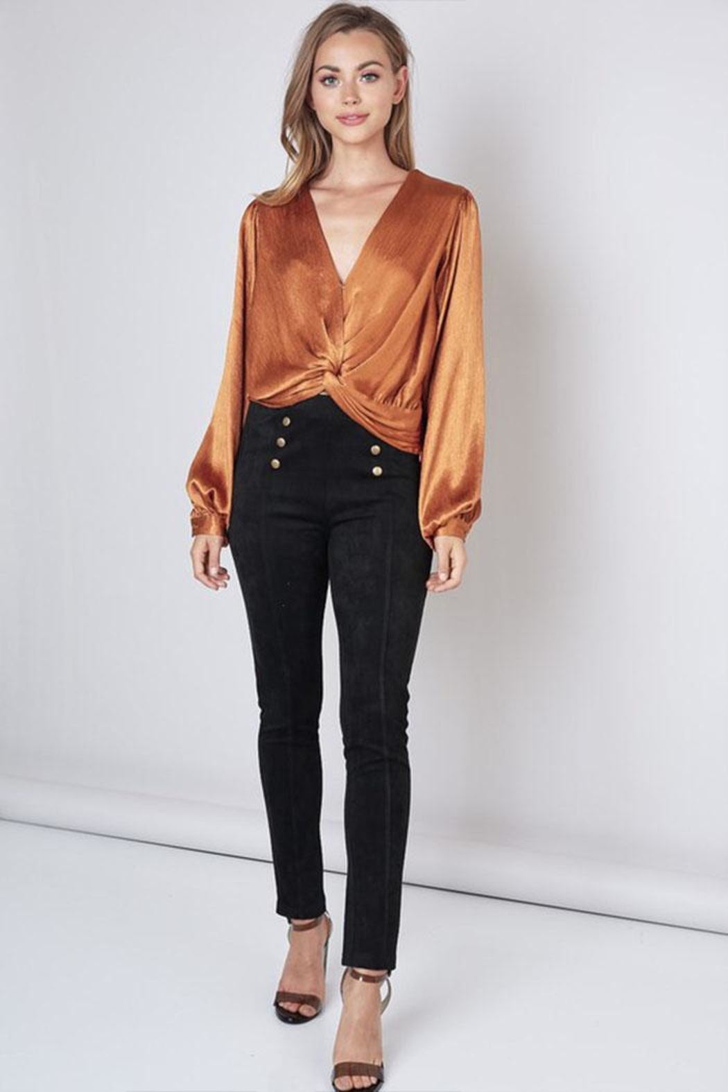 Do & Be Twist Front Top - Side Cropped Image