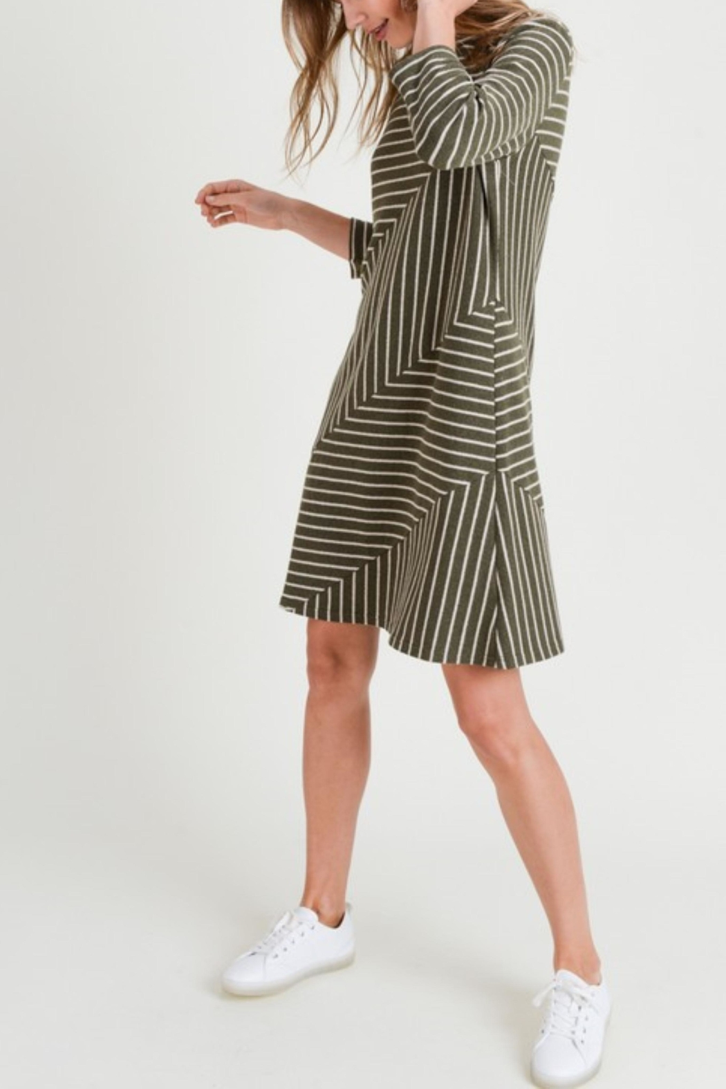 Doe & Rae Linear Knit Dress - Side Cropped Image
