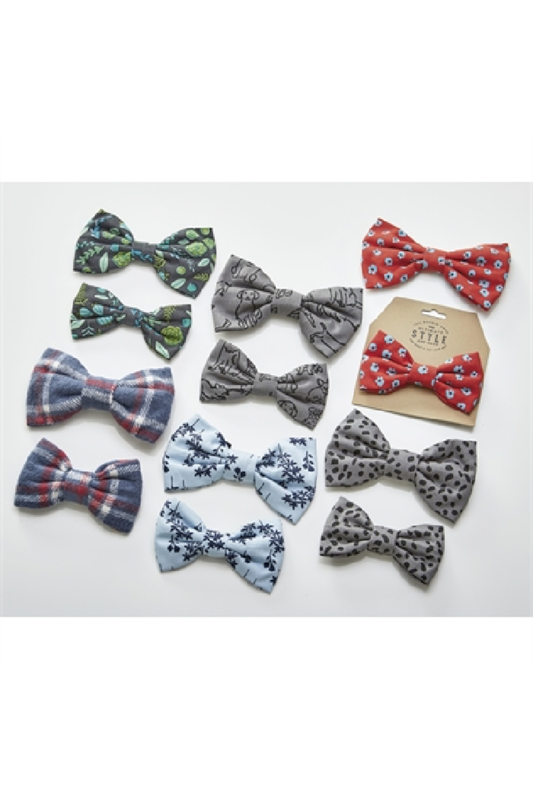 Tag DOGGIE BOWTIE-LARGE - Front Cropped Image