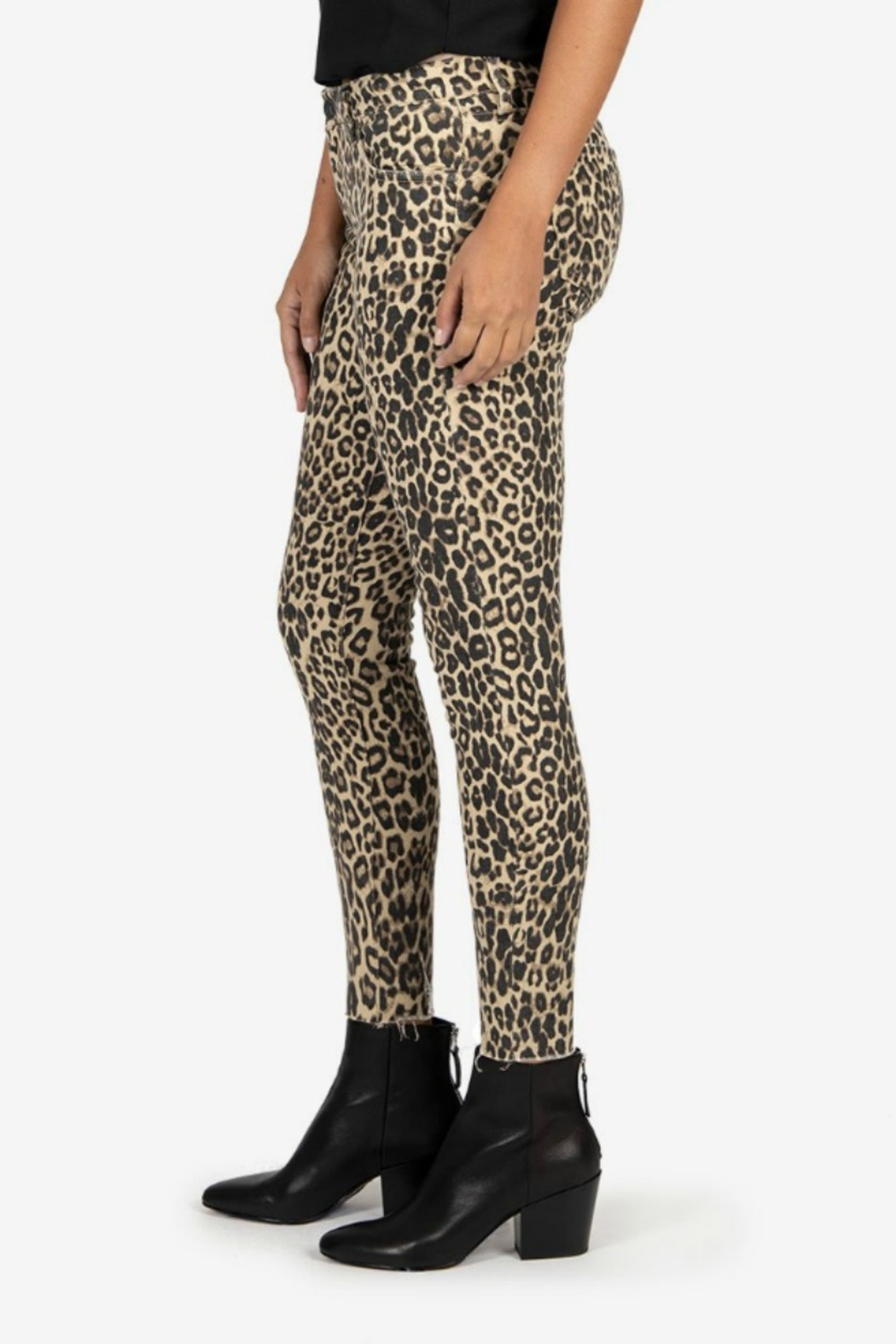 Kut from the Kloth DONNA LEOPARD - Front Full Image