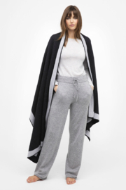 Kinross Cashmere DOUBLE KNIT THROW - Front cropped