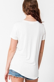 Double Zero Classic V-Neck Tee - Side cropped