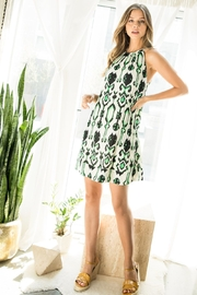 THM. PLEATED DRESS - Front cropped