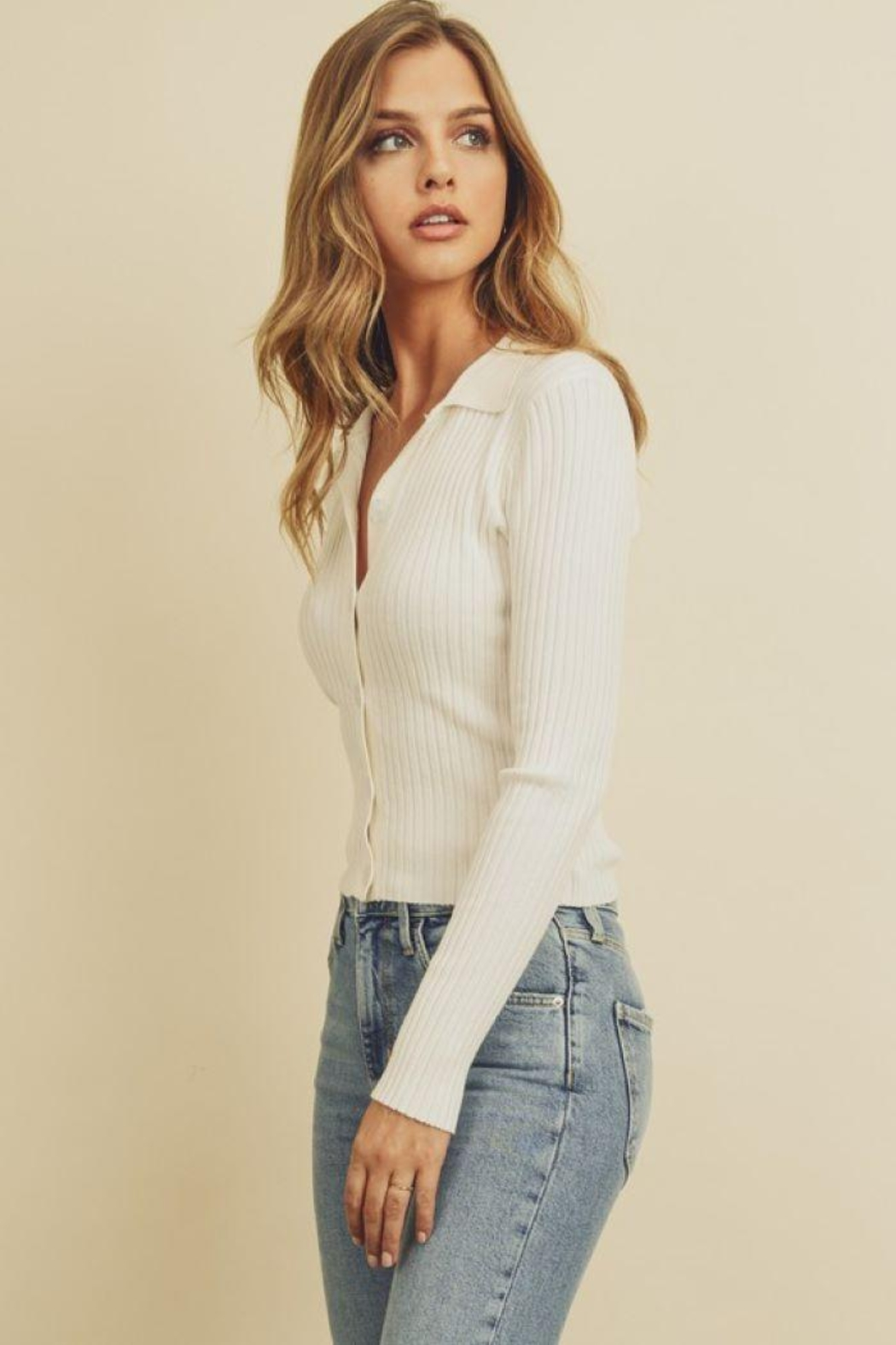 dress forum Collared Button-Down Knitted Top - Side Cropped Image